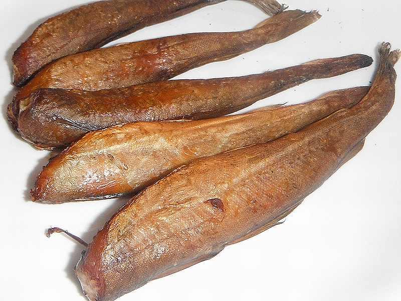 コマイ(氷下魚)の燻製