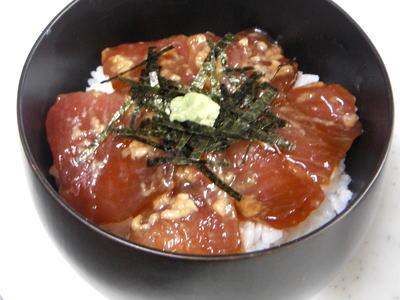 マグロの漬け丼 (しょうゆ麹)