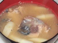 根曲竹と鯖缶の味噌汁