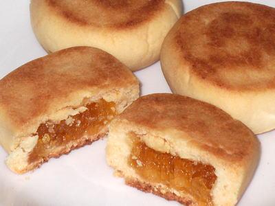 パイナップルケーキ (鳳梨酥)