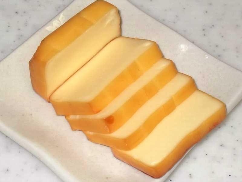 スモークチーズ(チーズの燻製)