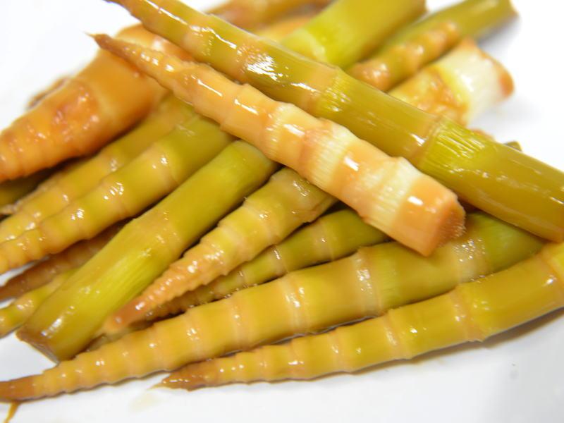 ポリポリと歯ごたえ良い、根曲がり竹(姫竹)の甘辛煮