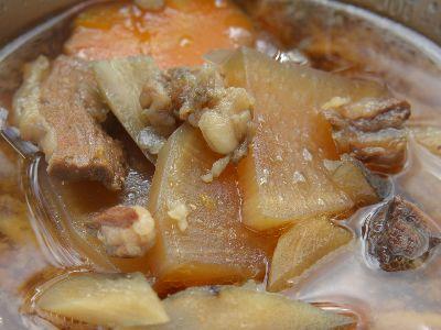 牛スジ肉の煮込み