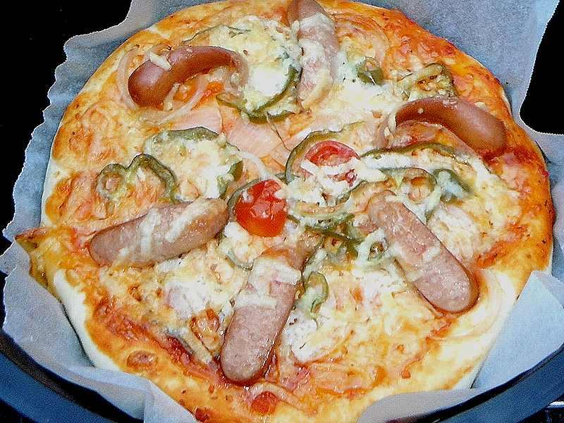 ダッチオーブンで作るピザの作り方