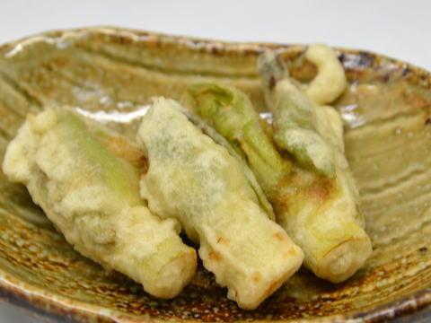 イタドリ (サシボ)の天ぷら
