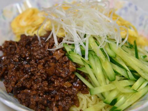 ジャージャー麺 (炸醤麺)