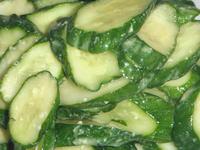 胡瓜の辛子寒麹漬け