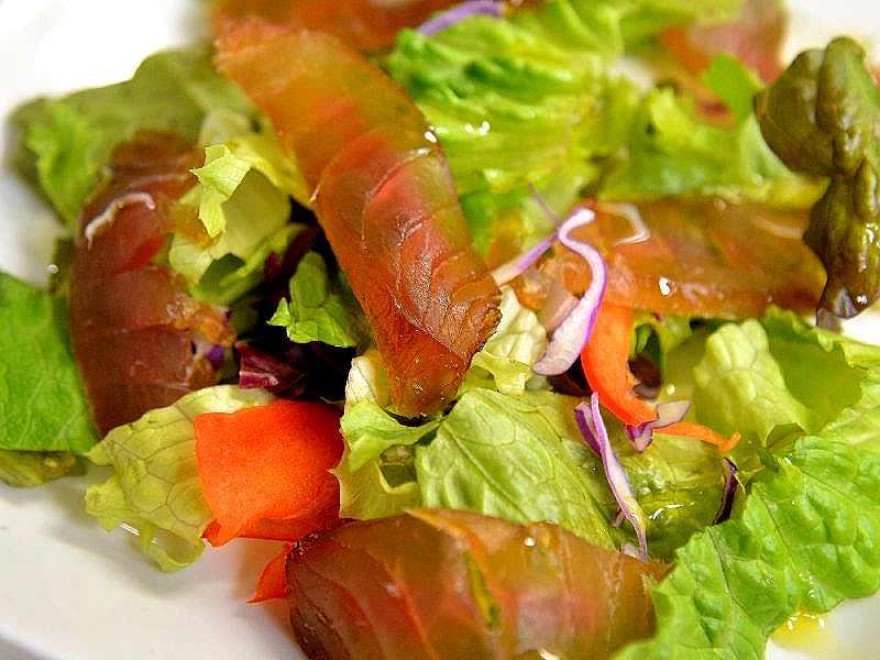 マグロの燻製刺身