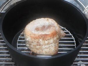 ダッチオーブンで作る豚バラ肉ローストポーク