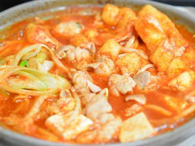 甘辛ホルモン鍋 (赤から鍋風)