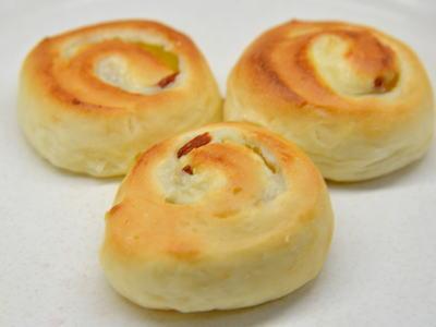 杏仁ロールパン
