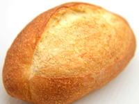 ラクビーボールのようなパン