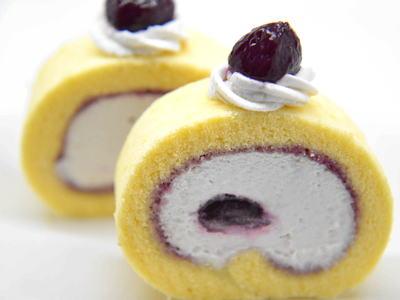 葡萄のロールケーキ