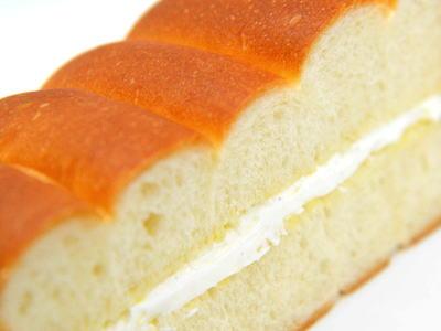 ミルクブレッド (牛乳パン)