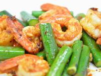 大鳴子百合と海老の炒め物