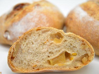 りんごと生姜のパン(ポム・ジャンジャンブル)