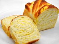 サツマイモの折り込みパン