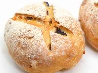 ブルーベリーとオレンジピールのライ麦パン