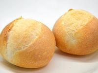 砂糖とバターを加えた柔らか目のフランスパン