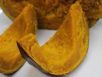 ダッチオーブンでかぼちゃの丸焼き