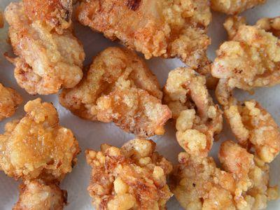 ダッチオーブンで鶏もも肉の唐揚げ