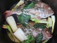 ダッチオーブンで鯛の香味焼き