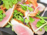ダッチオーブンで鴨ロース肉の熱燻製