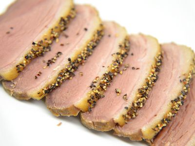 鴨ロース肉燻製のパストラミ風