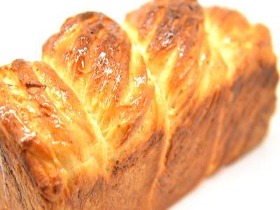 クリームチーズ折込パン