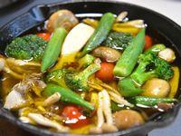 スキレットで作る野菜のアヒージョ