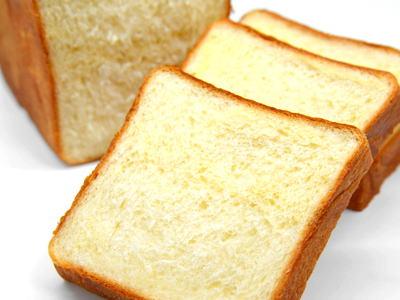 スイートポテトブレッド (スイートポテト食パン)