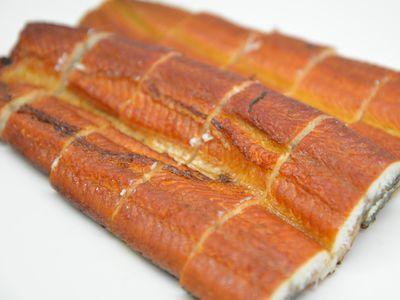 鰻の白焼を燻製