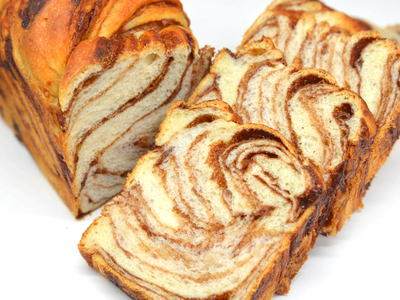 生チョコレートの折込パン