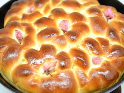 桜ちりぎりあんパン