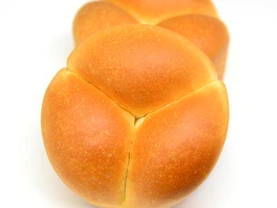 生クリーム入りパン
