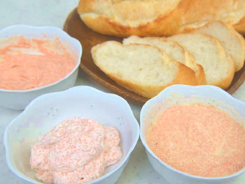 辛子明太子を冷燻製で燻したらマヨネーズや生クリームなどと良く和えます。